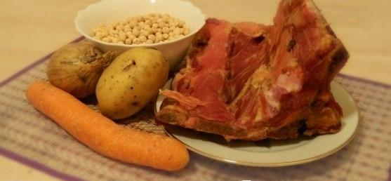 Ингредиенты для супа с копчёностями