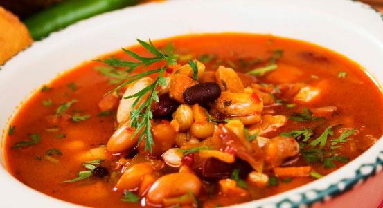 Приготовим фасолевый суп с копчёностями вместе
