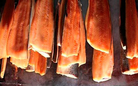 Копченая рыбка из старого холодильника - серьезный конкурент другим копченым продуктам