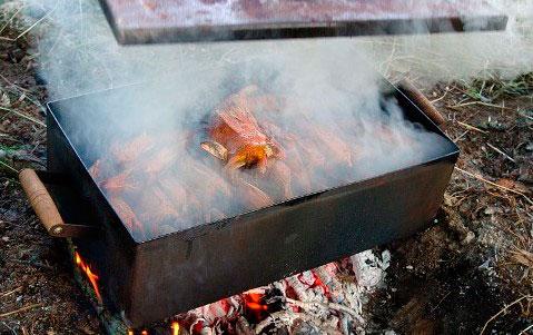 Самые вкусные копчёности те, что вы приготовили сами, горячим или холодным методом копчения