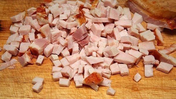 Говядина, нарезанная кубиками